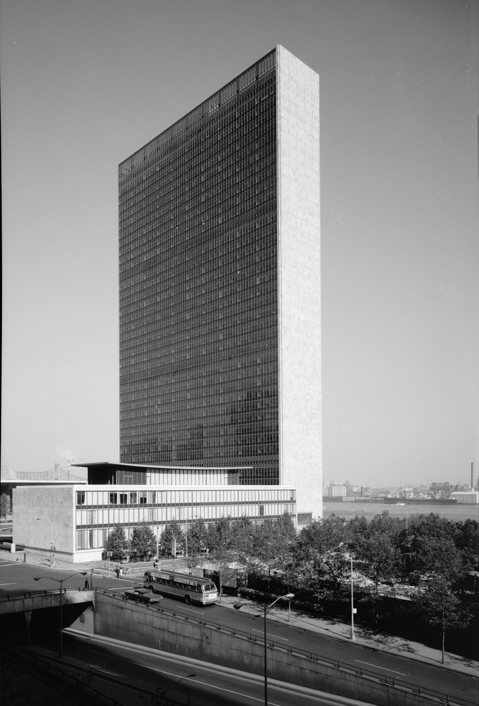 United Nations Headquarters. Photo from the Historic American Buildings Survey (HABS) and the Historic American Engineering Record (HAER) collections — U.S. National Park Service program.