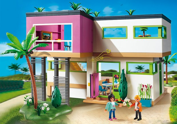 Playmobil create a bauhaus inspired 39 mansion for Piscine playmobil