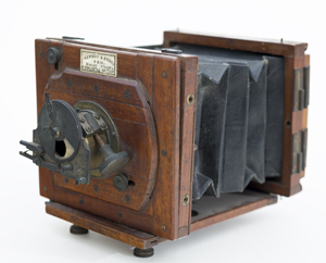 Mawson & Swan camera owned by Winslow Homer, ca. 1882. Gift of Neal Paulsen, in memory of James Ott and in honor of David James Ott '74. Bowdoin College Museum of Art, Brunswick, Maine.