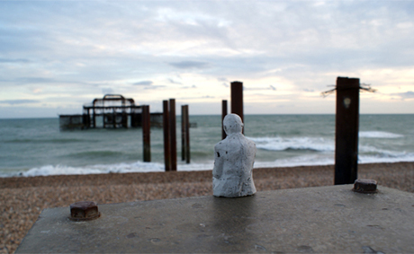 Isaac Cordal, Concrete Eclipses, Brighton