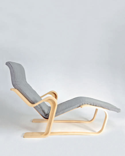 Chaise Longue (1936) by Marcel Breuer for Isokon. As featured in Chair: 500 Designs that Matter