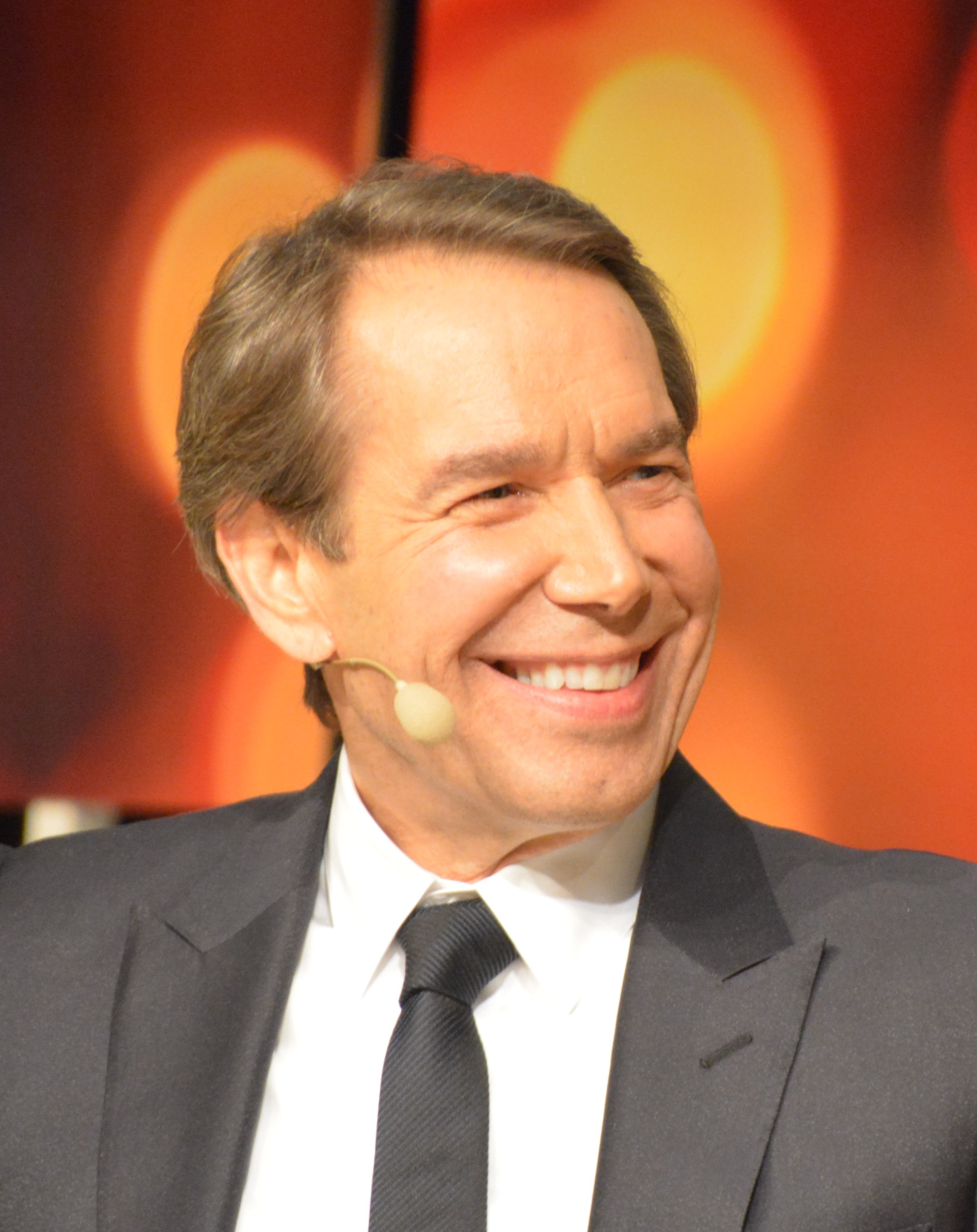 Jeff Koons. Photograph by Bengt Oberger, courtesy of Wikimedia Commons