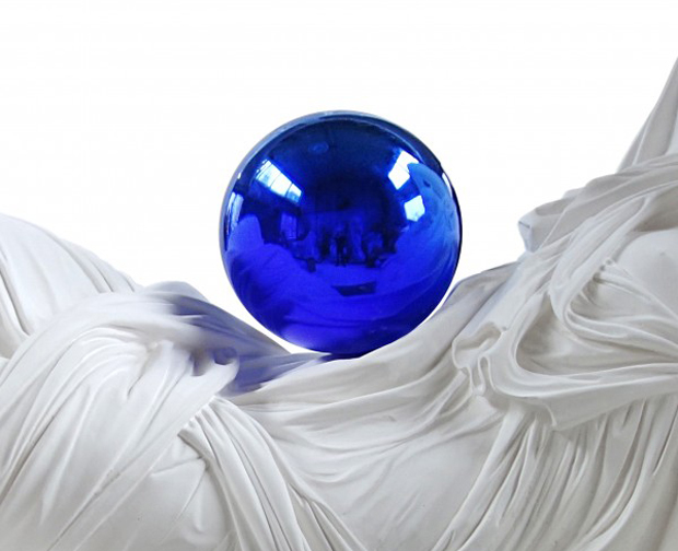 Gazing Ball copyright Jeff Koons (2013) courtesy Zwirner Gallery