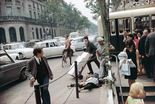 Paris, France, 1967 by Joel Meyerowitz. From Taking My Time