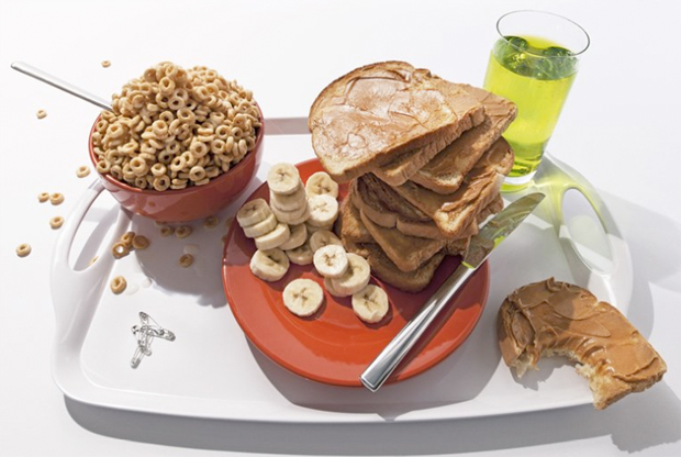 World class snowboarder and halfpipe wizard Keir Dillon's pre-race meal:   1 cup whole grain cereal, 1 cup skimmed milk, 1 banana, Gatorade G2 with a splash of Amp Energy, 2 slices of wholewheat bread lightly spread with peanut butter