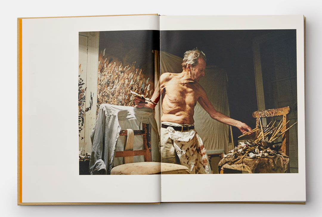 Lucian Freud in the studio