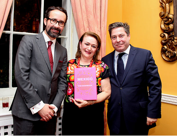From left Mexican ambassador Diego GomezPickering, Margarita and Phaidon MD James Booth-Clibborn