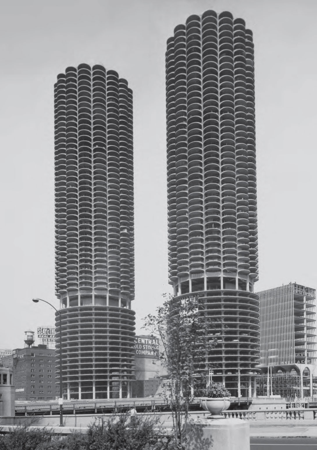 Marina City, Chicago by Bertrand Goldberg, as reproduced in Atlas of Brutalist Architecture