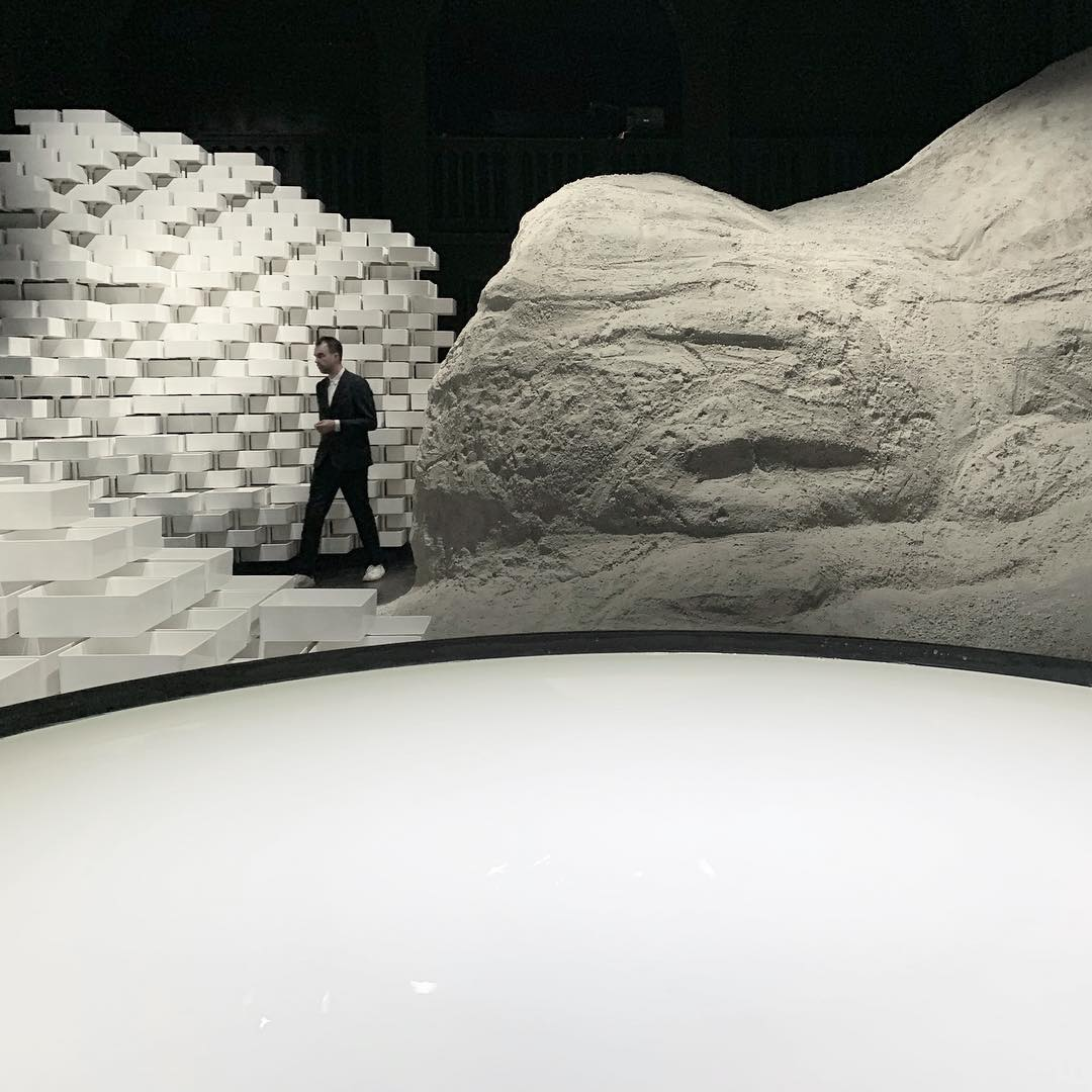 Material Message by Snarkitecture for Laufen. Image courtesy of Laufen and Snarkitecture