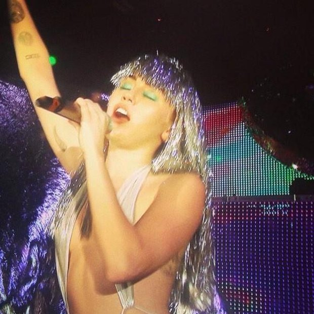 Miley Cyrus performing at The Raleigh, Miami Beach, on Wednesday. Image courtesy of Cyrus's Twitter account.