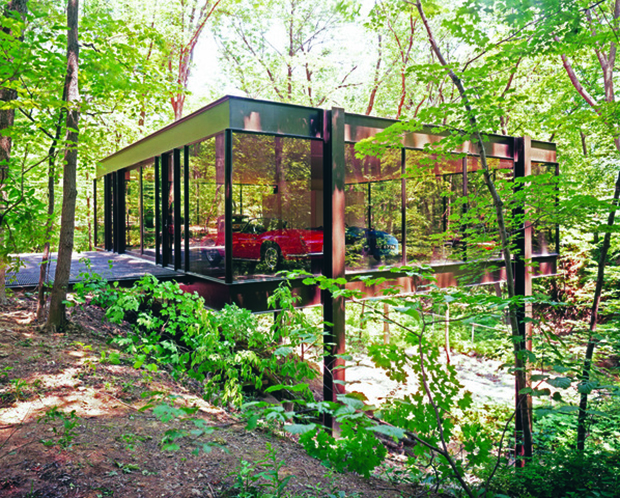 The Beech St home built by Mies protégés A. James Speyer and David Haid, as featured in Ferris Bueller's Day Off