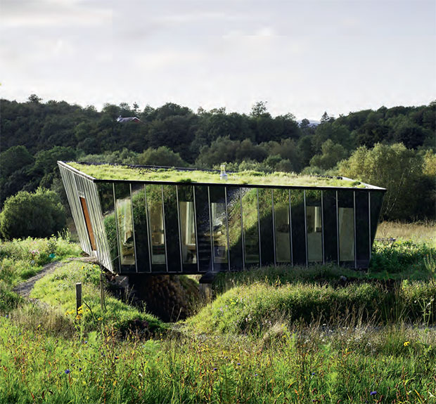 How this rural retreat mimics its environment