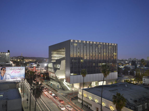 Emerson College Los Angeles - Morphosis photo by Roland Halbe