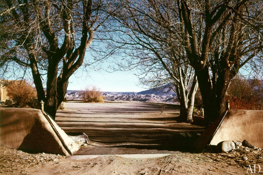 Abiquiu home, 1981, courtesy of Architectural Digest