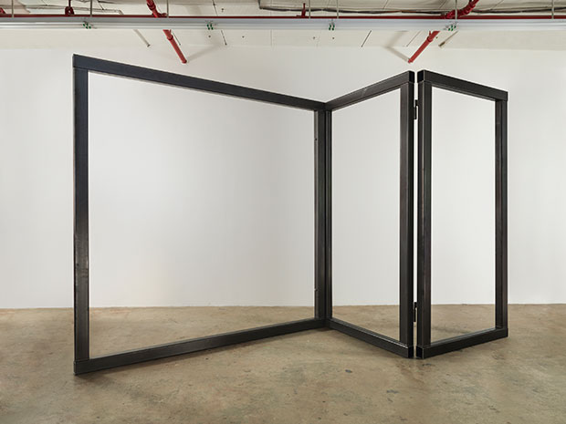 Open Screen, 2014 Steel 3 Panels - Carol Bove