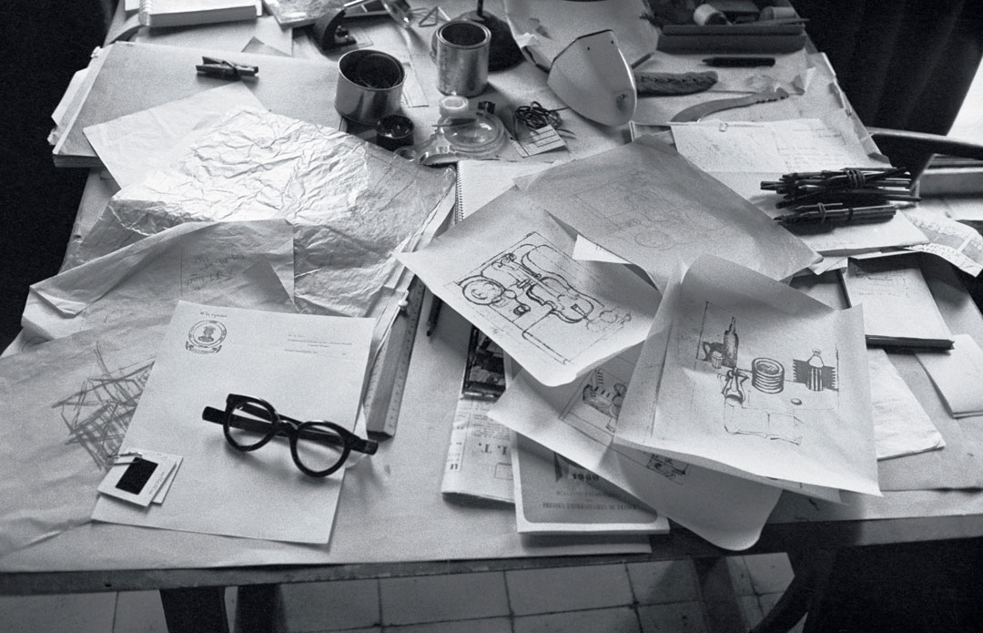 Desktop in Le Corbusier's studio, 24 rue Nungesseret-Coli, Paris, 1960, From Le Corbusier Le Grand