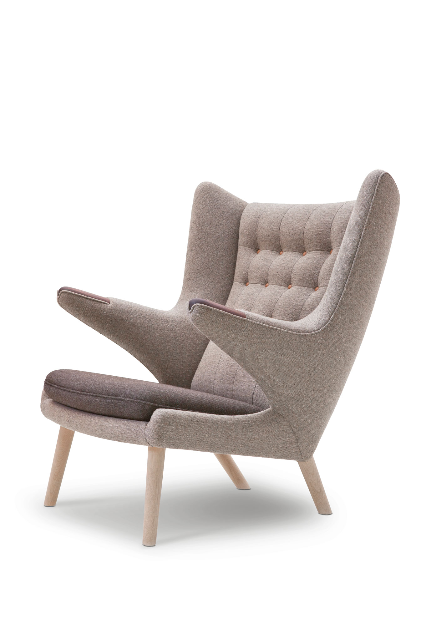 PP19 Papa Bear Chair 1951 by Hans Wegner featured in Chair 500 Designs That Matter