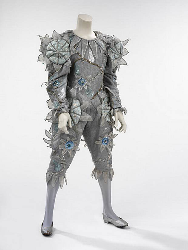 Pierrot Costume courtesy The David Bowie Archive 2012 image courtesy V&A Images