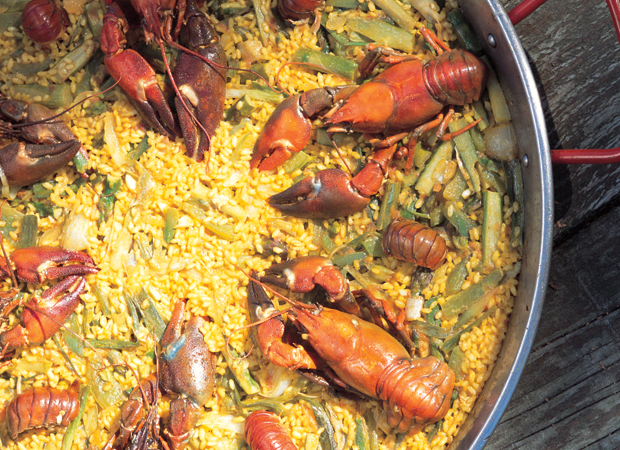 Paella rice with crayfish, lemongrass and asparagus