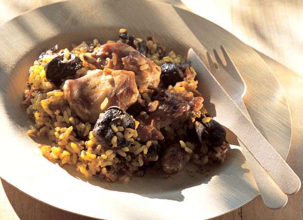 Paella rice with rabbit and snails