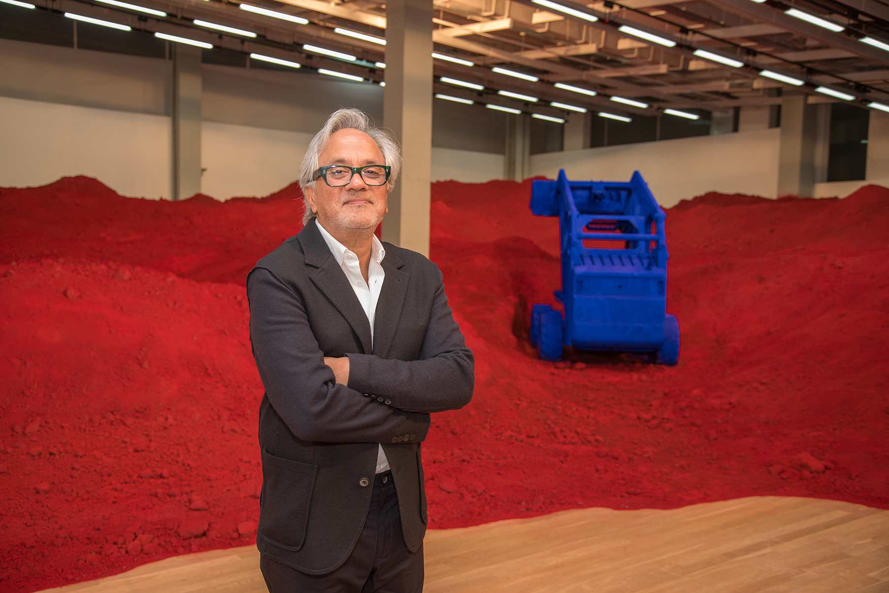 Anish Kapoor dyes this earth red in memory of refugees