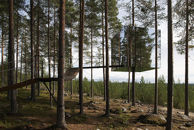 Mirrored Tree House. From Nanotecture