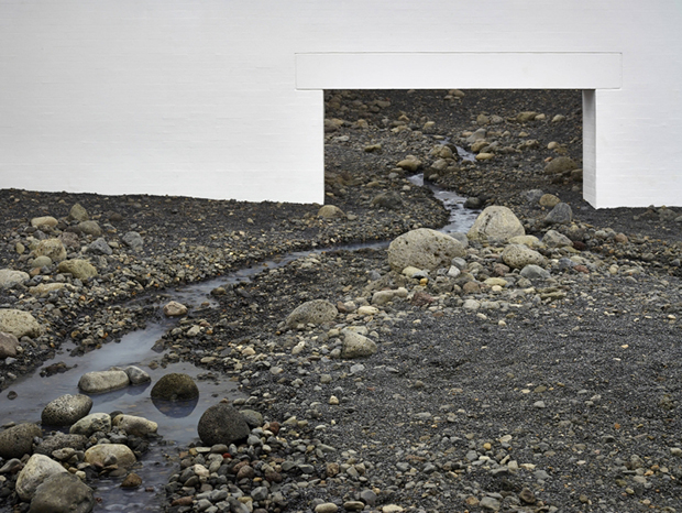 Riverbed (2014) by Olafur Eliasson. Installation view. Photo by Anders Sune Berg, courtesy of the Louisiana Museum of Modern Art, Humlebæk