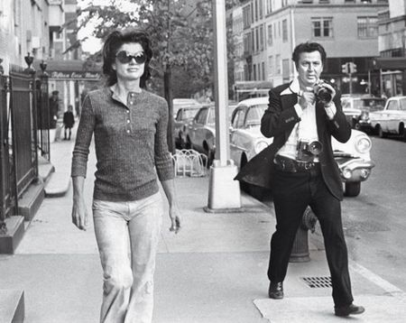 Ron pursuing Jackie down Madison Avenue, New York, 1971