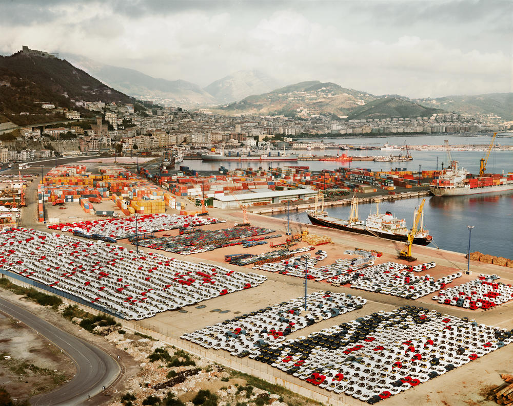 Andreas Gursky, Salerno, 1990, as reproduced in Art as Therapy