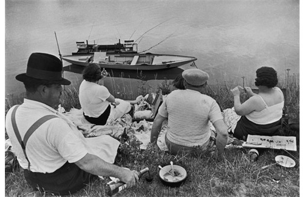 Henri Cartier-Bresson, Juvisy, France (1938)