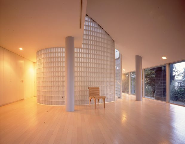 Shigeru Ban's home. Photo by Hiroyuki Hirai. Image courtesy of Where Architects Live