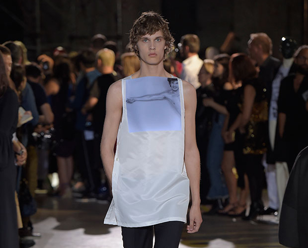 Raf Simons creates Robert Mapplethorpe collection