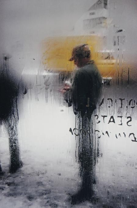 Snow, 1960, by Saul Leiter © Saul Leiter Courtesy Howard Greenberg Gallery, New York
