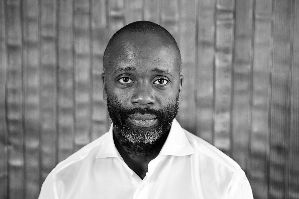 Theaster Gates uses sculpture prize to fund literary venture