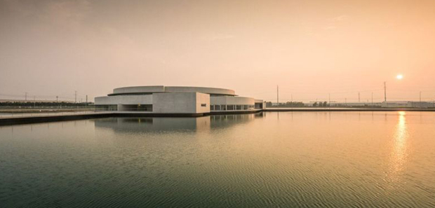 The Building on the Water, Jiangsu Province, China - Álvaro Siza