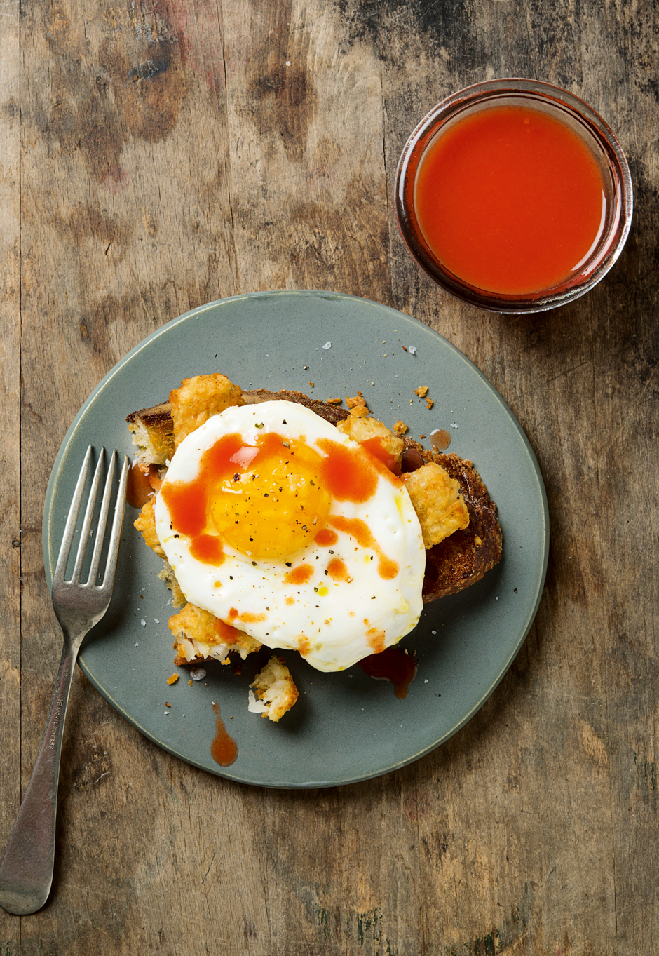 Smashed Tot and Egg Toast