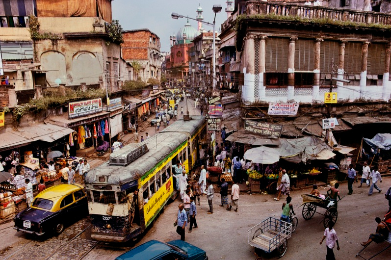 Steve McCurry, Tram (1996), Calcutta, India