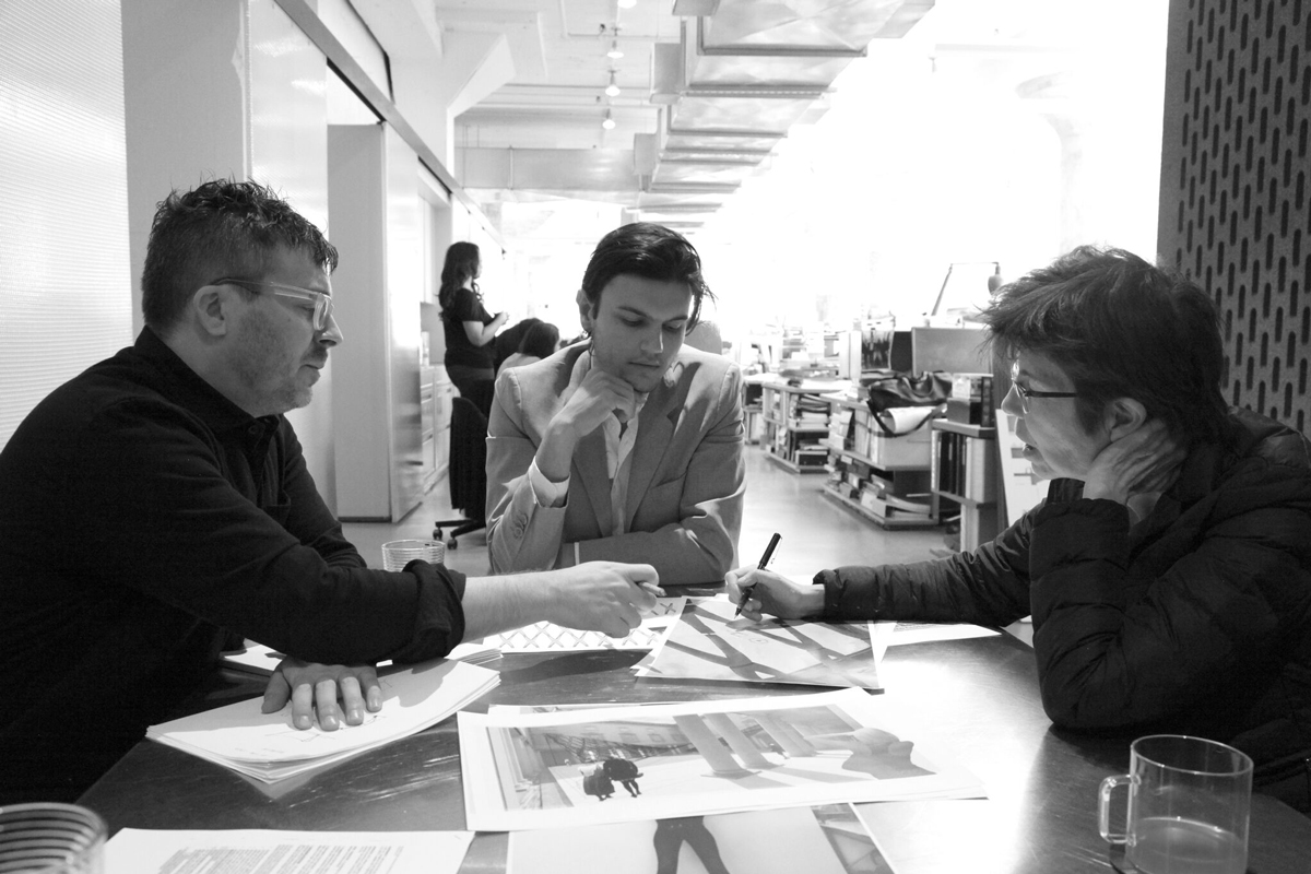 Matthew Johnson, Kumar Atre, and Liz Diller working on the Litta pavilion in Milan. Image courtesy of Diller Scofidio + Renfro and DAMN° Magazine. Photo: Cristina Guadalupe Galván