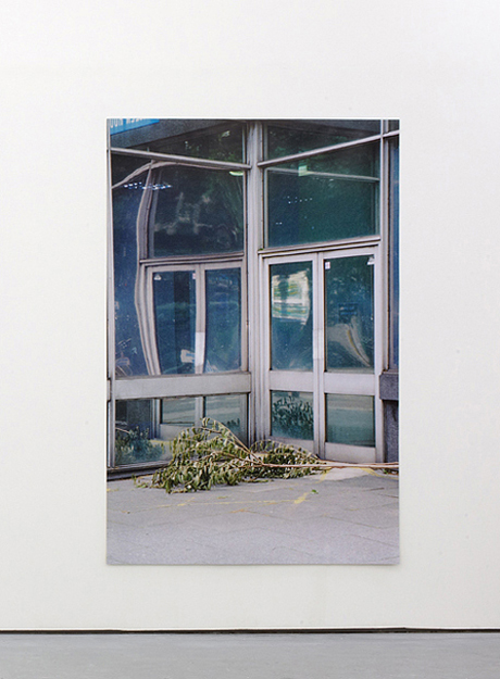 Bruno Zhu, Untitled (2012), C-type print, 185 x 127 cm