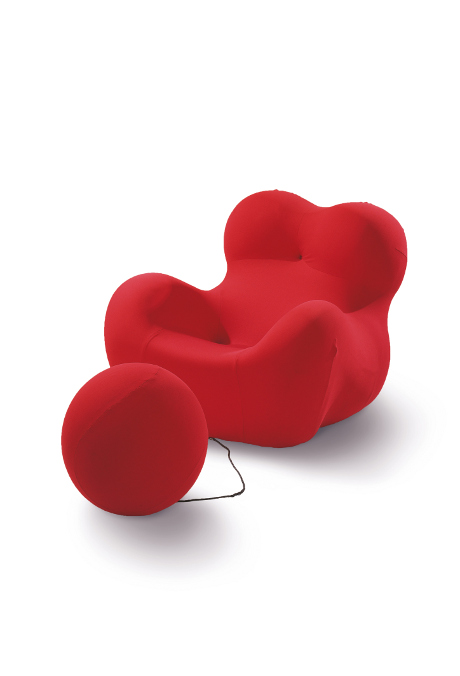 UP 5 & 6 / La Mamma / Donna, armchair and footrest (1969) by Gaetano Pesce