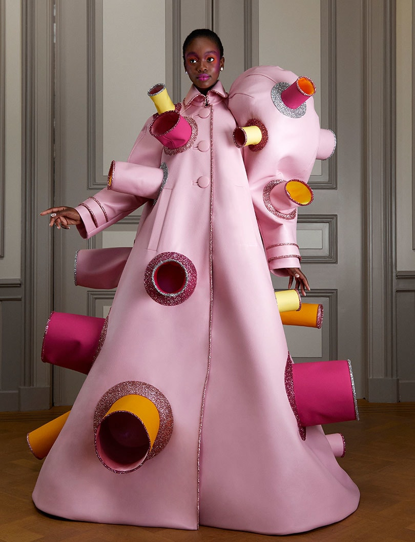 Viktor&Rolf's new collection requires social distancing