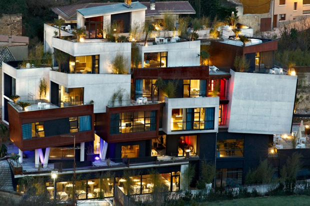 'Cubist' hotel opens in Spain