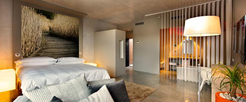 39 cubist 39 hotel opens in spain architecture agenda for Viura hotel