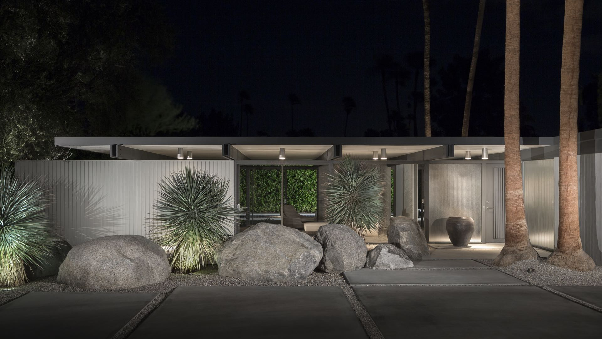 The Wexler House, Palms Springs. Image courtesy of deasypenner.com