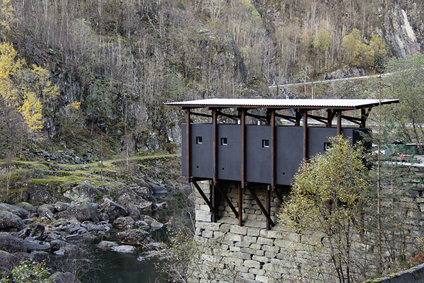 Peter Zumthor's service building for Allmannajuvet gorge, Ryfylke, Norway. Photography by Arne Espeland